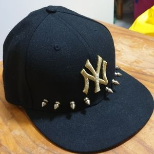 NEW ERA NEW YORK YANKEES 59FIFTY GOLD STUD Hat Cap
